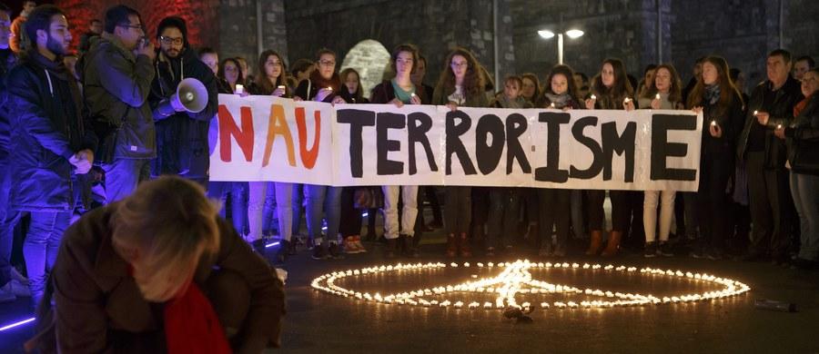 """""""Francja ma jedne z najsprawniejszych służb antyterrorystycznych i od lat obawiała się takich ataków jak w Paryżu. Ale nie ma państwa, które może się samo uchronić przed zamachami; zagrożenie zostanie z nami na długo"""" – mówią eksperci. """"Tajne służby wiedzą, że ataki terrorystyczne w Europie to tylko kwestia czasu"""" – powiedział rok temu francuski ekspert ds. terroryzmu Jean-Charles Brisard. 22 września ubiegłego roku IS wezwało do zabijania Francuzów: """"Jeśli możecie zabić niewiernego, który jest Amerykaninem lub Europejczykiem - a zwłaszcza brudnym i złym Francuzem (...), to zdajcie się na Allaha i zabijajcie ich w dowolny sposób!""""."""