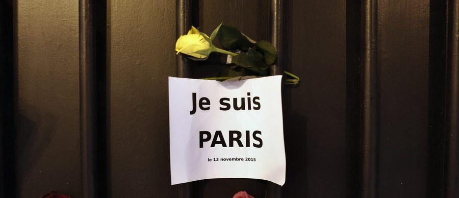 """Prokurator Paryża Francois Molins poinformował w sobotę, że w serii zamachów w Paryżu zginęło 129 osób, a ok. 350 zostało rannych. 99 z nich jest w stanie krytycznym. Siedmiu terrorystów zginęło w """"czasie przestępczych działań""""."""