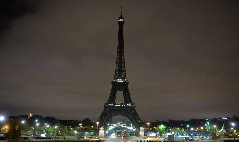 Stolica Francji wciąż pozostaje w szoku po piątkowych (13 listopada) zamachach terrorystycznych. Jednak Paryżanie za wszelką cenę usiłują wrócić do względnej normalności.