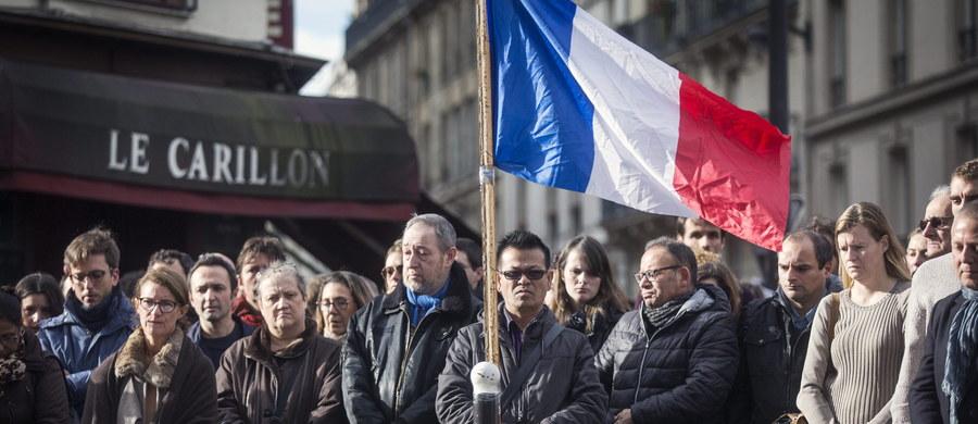 Nie można traktować zamachów w Paryżu jako odosobnionego przypadku, gdyż Państwo Islamskie przygotowuje zapewne inne ataki za granicą - stwierdził dyrektor CIA John Brennan. Wyraził również nadzieję na wzmocnienie współpracy wywiadowczej USA i Rosji.