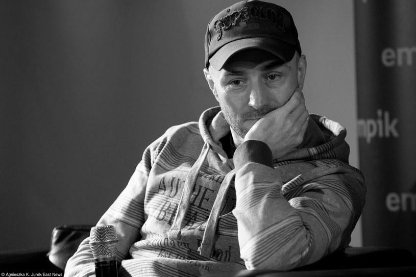 W wieku 49 lat zmarł Przemysław Maciołek, jeden z założycieli grupy Poluzjanci, gitarzysta znany także z Sistars.