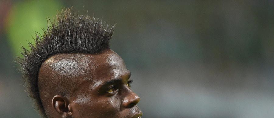 Włoski piłkarz Mario Balotelli przeszedł operację pachwiny - poinformował jego klub AC Milan. Zabieg zakończył się pomyślnie, a napastnika czekają cztery tygodnie przerwy w grze, jeśli nie będzie komplikacji.