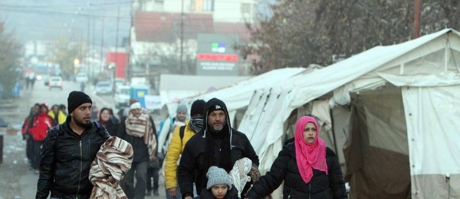 Polska będzie musiała wykonać podjęte decyzje UE w sprawie podziału uchodźców - powiedział przewodniczący Komisji Europejskiej Jean-Claude Juncker. Powtórzył, że nie zgadza się z tymi, którzy łączą sprawę migracji z terroryzmem.