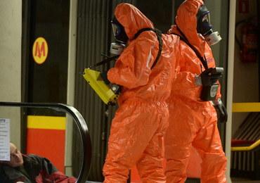 Atak chemiczny na jeden z wagonów warszawskiego metra. Nocne ćwiczenia służb
