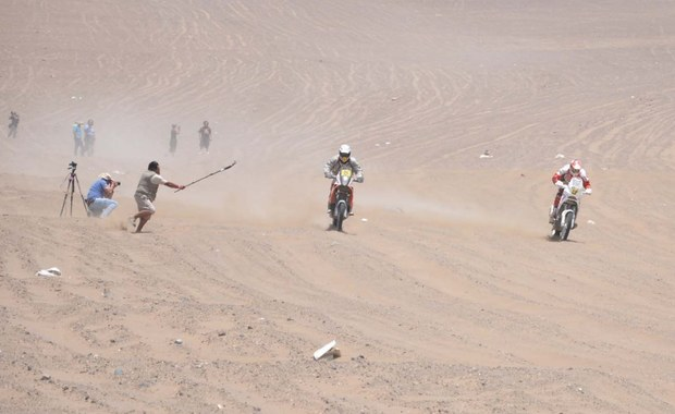 Dziewięciokrotny rajdowy mistrz świata Francuz Sebastien Loeb pojedzie w Rajdzie Dakar 2016 w zespole Peugeota. Francuska ekipa przygotowała specjalny, terenowy model 2008 DKR.