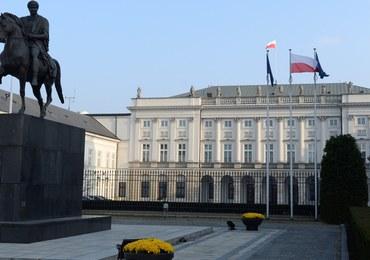 Raport otwarcia Kancelarii Prezydenta. Autorzy: Nieuzasadnione wydatki kancelarii Komorowskiego