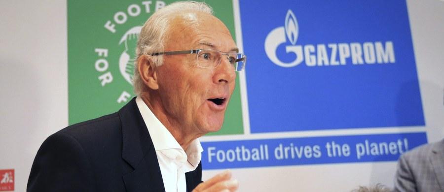 """Franz Beckenbauer odrzucił w wywiadzie dla """"Sueddeutsche Zeitung"""" zarzuty o korupcję w związku z przyznaniem Niemiec organizacji piłkarskich mistrzostw świata w 2006 r. Zasłaniał się lukami w pamięci i twierdził, że podpisywał w ciemno wszystkie podsuwane mu dokumenty."""