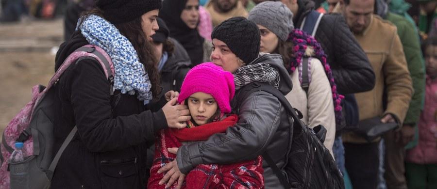 Jeden z ośrodków wypoczynkowych w Koszelówce pod Płockiem, który planował przyjęcie uchodźców w ramach ich unijnej relokacji, wycofał się z tego zamiaru. Powodem był sprzeciw okolicznych mieszkańców. Zaprotestował też samorząd tamtejszej gminy Łąck.