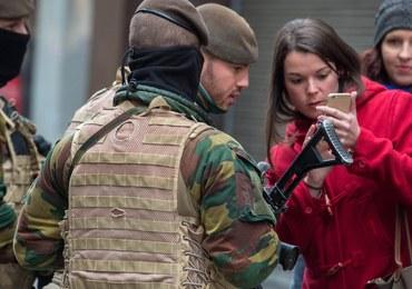 Poszukiwany zamachowiec z Paryża może mieć na sobie pas z materiałami wybuchowymi