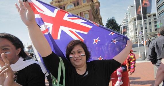 Mieszkańcy Nowej Zelandii wybierają nową flagę. Mają dość mylenia ich sztandaru z łudząco podobnym australijskim.