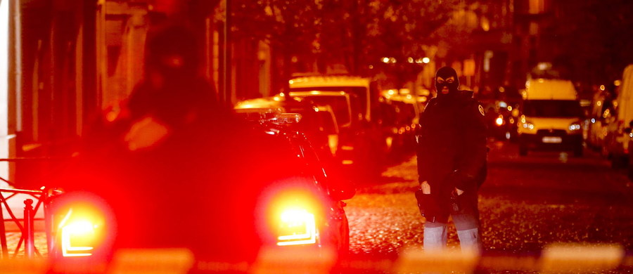 Belgijska policja zakończyła operację antyterrorystyczną w Brukseli. Prokuratorzy poinformowali, że zatrzymano 16 osób, doszło też do wymiany strzałów. Nie znaleziono jednak głównego poszukiwanego Salaha Abdeslama.