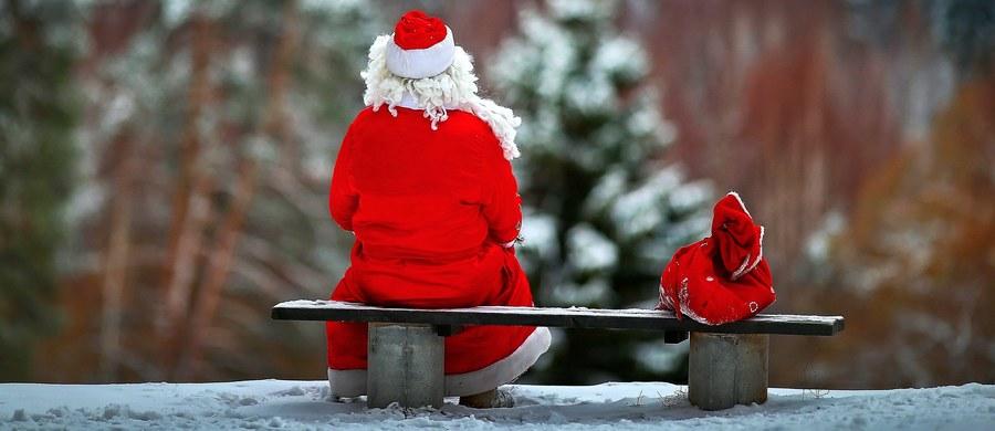 """""""Drogi Święty Mikołaju, proszę, jeśli potrafisz, spraw żeby życie mojej mamy było lepsze, żeby nie czuła się chora cały czas - byłabym bardzo wdzięczna"""" - taki wzruszający list napisała 11-letnia Bobbie-Mae Chalk. Na Twitterze opublikowała go matka dziewczynki, która cierpi z powodu choroby Leśniowskiego-Crohna."""