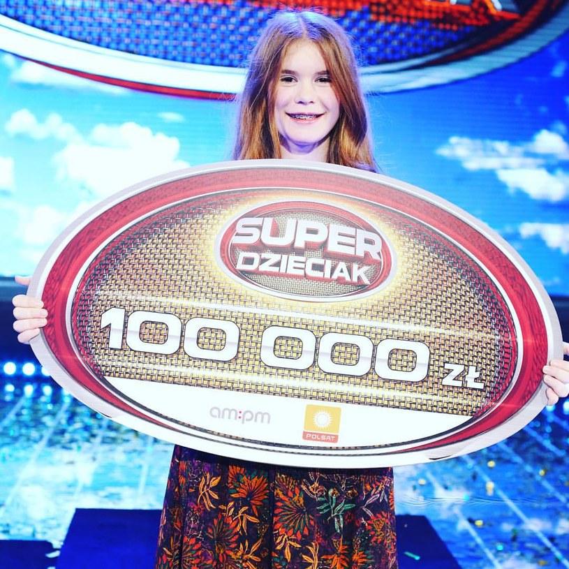 """15-letnia wokalistka musicalowa Zuzanna Rosa wygrała pierwszą edycję programu """"SuperDzieciak""""."""