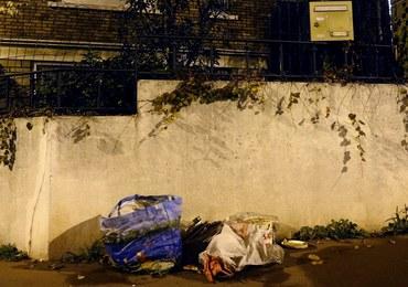 Pas szahida znaleziony na przedmieściach Paryża. Policja potwierdza: były w nim materiały wybuchowe