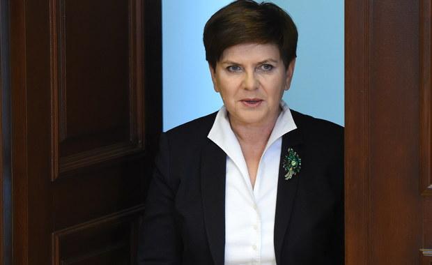 W polskim życiu publicznym jest strasznie dużo krzyku, wielkich słów, egzaltacji, tromtadracji i fanfaronady. Tu uderzać w przeciwnika trzeba porównaniem do Białorusi, Kuby albo Korei Północnej, zarzutem zdrady, utraty resztek patriotyzmu, łamania demokracji albo co najmniej podważania jej fundamentów.