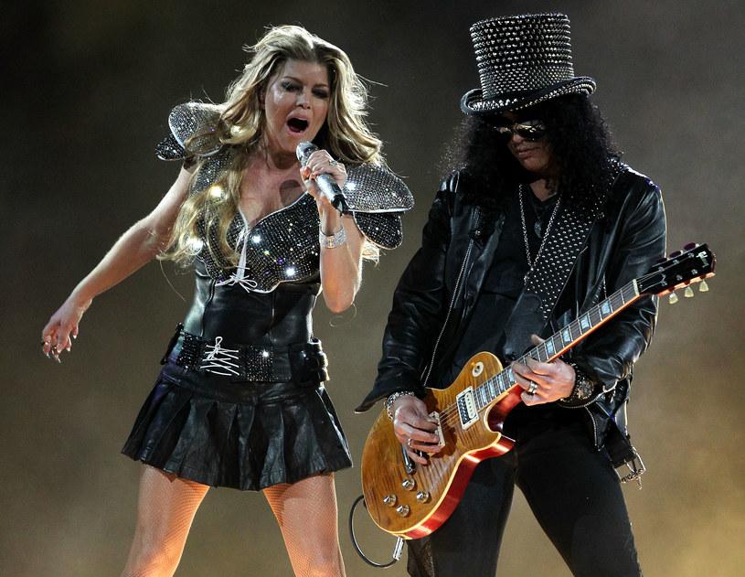 Duet Slasha z Dodą w trakcie koncertu w łódzkiej Atlas Arenie (20 listopada) zaskoczył część fanów talentu legendarnego muzyka. Jednak wielu zapewne wie, że Slash to człowiek, który żadnej współpracy się nie boi i chętnie współpracuje z najróżniejszymi gwiazdami. Oto kilka przykładów.
