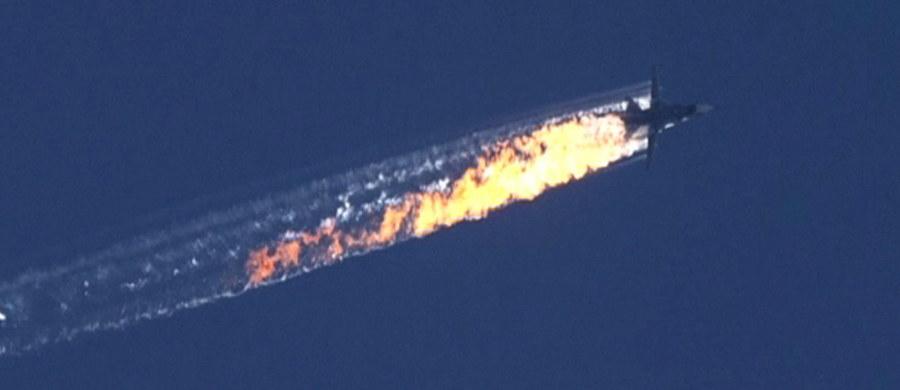 NATO stoi murem za Turcją po zestrzeleniu przez jej myśliwce rosyjskiego bombowca Su-24. Rada Północnoatlantycka uznała podczas nadzwyczajnego posiedzenia, że rosyjska maszyna naruszyła turecką przestrzeń powietrzną. Jak jednak donosi korespondentka RMF FM Katarzyna Szymańska-Borginon, w czasie posiedzenia pojawiły się również głosy z negatywną oceną działania Turcji.