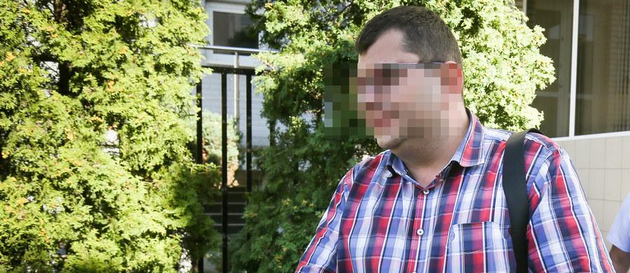 Zbigniew S., kontrowersyjny biznesmen został zatrzymany przez stołecznych policjantów - dowiedział się reporter RMF FM Krzysztof Zasada. Po karczemnej awanturze w jednym z luksusowych warszawskich hoteli mężczyzna usłyszał 6 zarzutów. Ma też być skierowany na badania psychiatryczne.