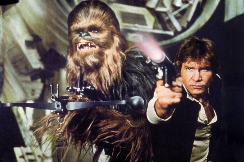 Han Solo i Chewbacca są jak stare małżeństwo. Takiego zdania jest wcielający się w kosmicznego łowcę nagród, Harrison Ford.