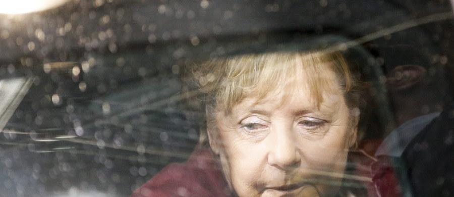 """48 proc. Niemców jest przeciw pozostaniu Angeli Merkel na stanowisku kanclerza na czwartą kadencję po wyborach w 2017 roku - podał """"Bild"""". Gazeta powołuje się na sondaż instytutu Emnid."""