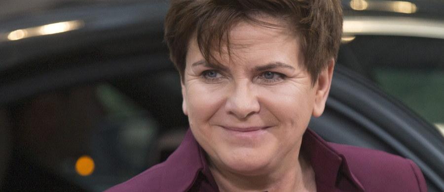 Jak ustaliła dziennikarka RMF FM, polskie władze poinformowały Unię, że w czwartek nie zgodzą się na przyjęcie dwóch rozporządzeń w sprawie stosunków majątkowych w międzynarodowych związkach partnerskich i małżeństwach. Jak powiedział dziennikarce RMF FM luksemburski dyplomata, rozporządzenia chcą zablokować Polska i Węgry.