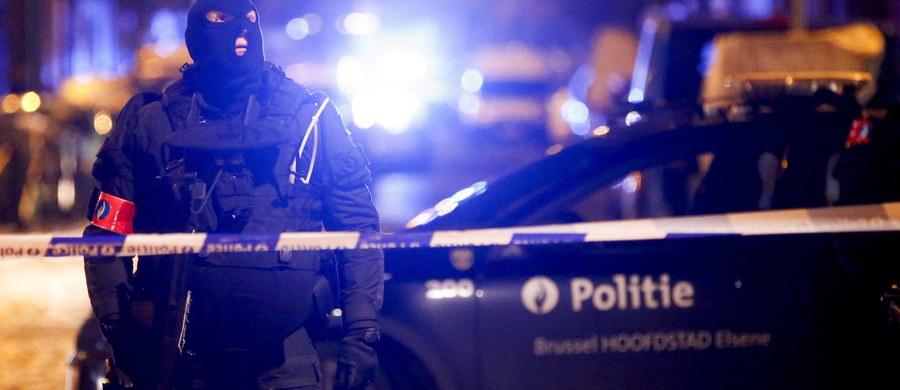 Francuskie służby wywiadowcze uważają, że Salah Abdeslam, poszukiwany w związku z atakami terrorystycznymi w Paryżu 13 listopada, zbiegł do Syrii. Informację przekazała telewizja CNN, powołując się na źródła zbliżone do śledztwa i sił antyterrorystycznych.