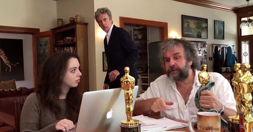 """Minął ponad rok odkąd twórca brytyjskiego serialu """"Doktor Who"""", Steven Moffat, przyznał, że rozmawiał o takiej możliwości z Peterem Jacksonem. Nowozelandzki reżyser odpowiedział na Facebooku."""