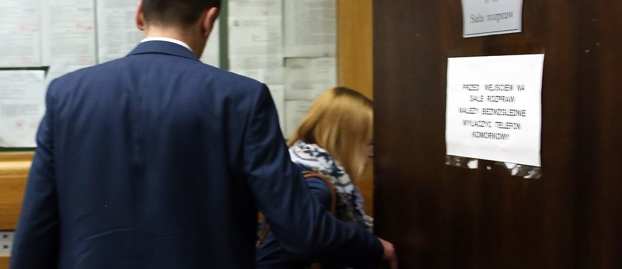 Rodzice półrocznej Magdy z Brzeznej w Małopolsce, która została zagłodzona, nie pójdą do więzienia. Zdecydował tak w piątek sąd w Nowym Sączu. Rodzicie dziewczynki - którzy leczyli ją u znachora - zostali oskarżeni o znęcanie się nad dzieckiem ze szczególnym okrucieństwem i nieumyślne spowodowanie śmierci.