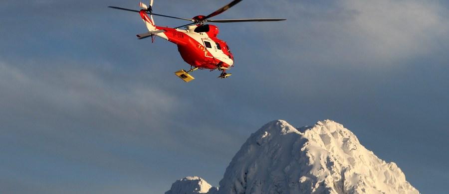 Aż osiem wypadków w Tatrach. Wszystkie spowodowane zostały poślizgnięciami na zlodowaciałym śniegu. Jak informuje nasz zakopiański reporter, śmigłowiec TOPR był bezustannie w akcji.