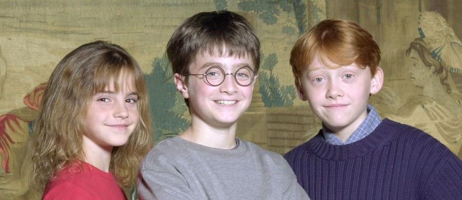 Daniel Radcliffe jeszcze przez lata będzie się widzom kojarzył z rolą Harry'ego Pottera – nastoletniego czarodzieja, który trafia do szkoły magii. Teraz w internecie pojawił się film z castingu, który zapewnił Radcliffe'owi rolę jego życia.