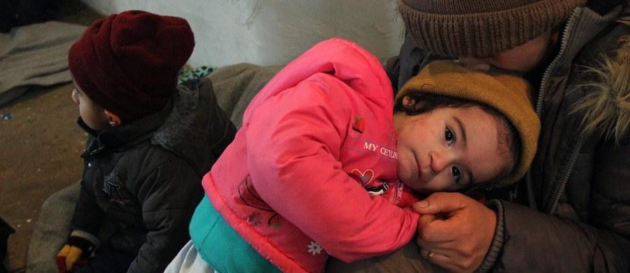 Dwa tygodnie temu norweskie służby migracyjne zarejestrowały parę uciekinierów z Syrii. Małżeństwo ma półtorarocznego syna. Kolejne dziecko jest w drodze. Problem w tym, że matka ma 14 lat. I nikogo to nie zaniepokoiło.