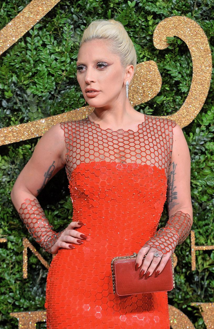 Ogłoszono nominacje do Zlotych Globów 2016. Wśród osób, które powalczą o statuetkę znaleźli się Lady Gaga oraz Sam Smith.