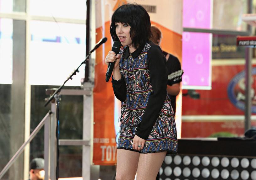 """Kanadyjska wokalistka zaskoczyła swoją znajomością języka używanego w grze """"The Sims""""."""