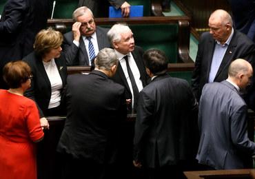 Kaczyński: Kompromitacja się pogłębia. Marszałek Sejmu może zwrócić się o unieważnienie wyroku TK