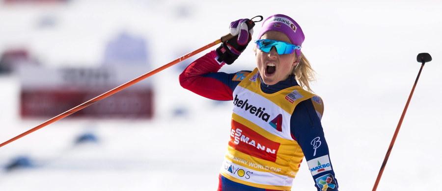 Therese Johaug wygrała w Davos zaliczany do narciarskiego Pucharu Świata bieg na 15 km techniką dowolną. Norweżka umocniła się na prowadzeniu w klasyfikacji generalnej. Pozostałe miejsca na podium zajęły jej rodaczki - Ingvild Flugstad Oestberg i Heidi Weng. Biało-czerwone nie startowały.