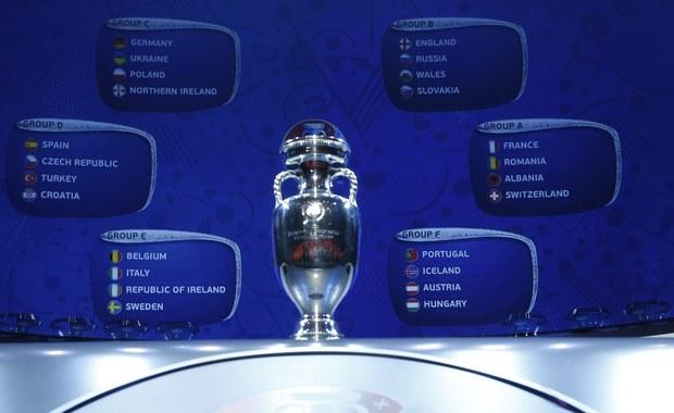 """""""Nie musimy się Niemców bać. Wygraliśmy u siebie 2:0, u nich przegraliśmy 1:3, więc ten bilans jest na zero"""" - tak Grzegorz Lato komentuje w rozmowie z dziennikarzem RMF FM Maciejem Jermakowem wyniki losowania grup Euro 2016. Biało-czerwoni zmierzą się w grupie C z Niemcami, Irlandią Północną i Ukrainą."""