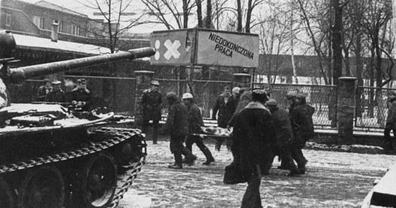Dziś mija 34. rocznica pacyfikacji katowickiej kopalni Wujek, gdzie od milicyjnych kul zginęło dziewięciu protestujących górników, a kilkudziesięciu innych zostało rannych. Była to największa tragedia stanu wojennego.