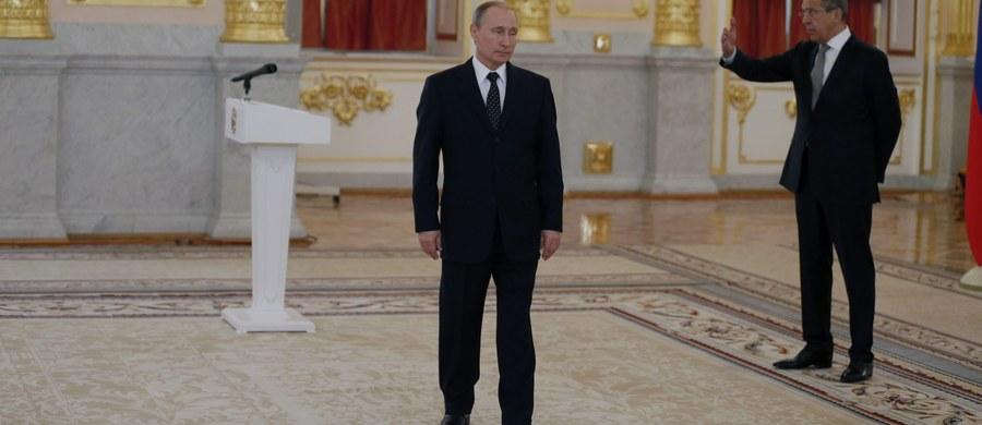Władimir Putin chodzi jak rewolwerowiec. Do takich zaskakujących wniosków doszli uczeni, którzy w świątecznym wydaniu czasopisma British Medical Journal publikują artykuł o… wczesnych objawach choroby Parkinsona.