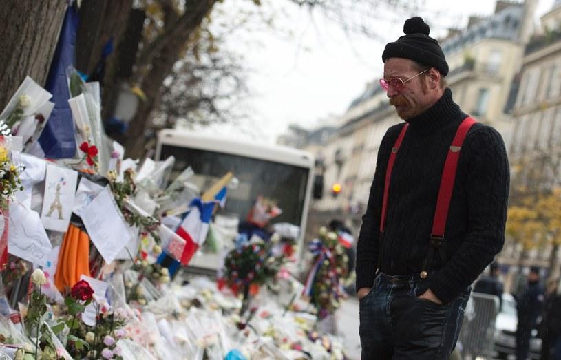 Grupa Eagles Of Death Metal ogłosiła nowe daty przerwanej przez zamachy terrorystyczne w Paryżu trasy koncertowej. Amerykańska formacja zapowiedziała powrót do stolicy Francji, a także do Polski.