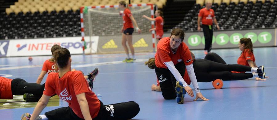 W duńskim Herning o godz. 14:45 polskie piłkarki ręczne po raz drugi z rzędu staną przed szansą wywalczenia brązowego medalu mistrzostw świata. Przed dwoma laty w Serbii ta sztuka się nie udała – lepsze były Dunki. Teraz Polki zmierzą się z Rumunkami.