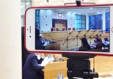 Komisja omawia poprawki PiS do projektu o TK. Opozycja protestuje