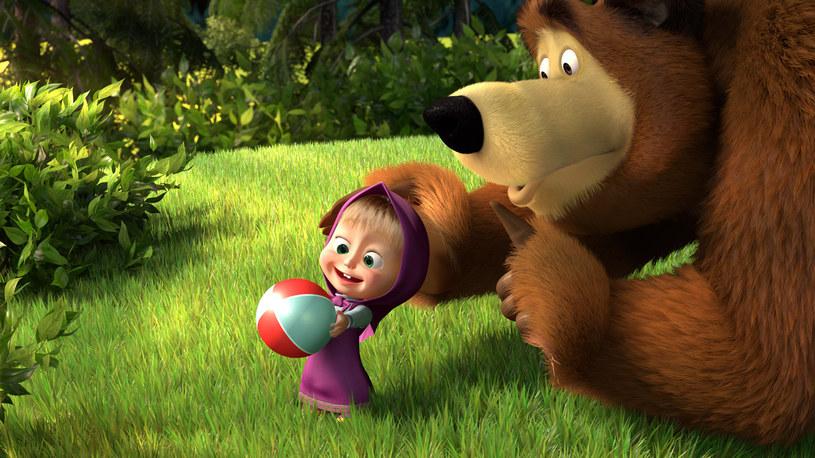 """Odcinek kreskówki """"Masza i niedźwiedź"""" stał się pierwszym rosyjskojęzycznym wideo na YouTube obejrzanym przez ponad miliard widzów - podały w poniedziałek internetowe portale informacyjne. Rekordowy odcinek """"Masza+Kasza"""" - opublikowano na YouTube w 2012 roku."""