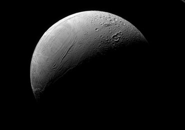 Stare i nowe oblicze Enceladusa