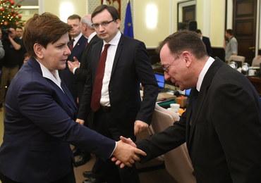 Sondaż: Co drugi Polak źle ocenia działania rządu Beaty Szydło