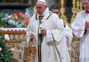 Papież: Prostota i sprawiedliwość odpowiedzią na konsumpcjonizm i luksus