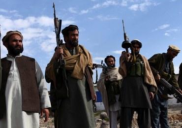 Milicja ścięła czterech dżihadystów. Ich głowy zostawili przy drodze