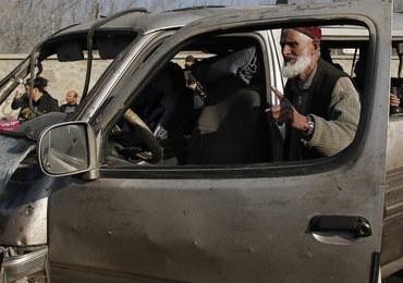 Afganistan: Samobójczy zamach w pobliżu lotniska w Kabulu