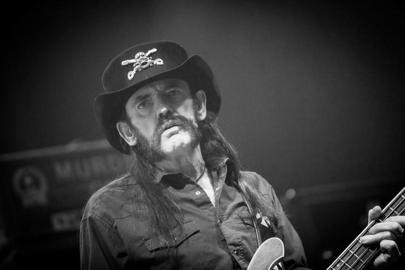 Informacja o śmierci Lemmy'ego wstrząsnęła światem muzyki. W mediach społecznościowych zaroiło się od wpisów poświęconych liderowi grupy Motorhead.