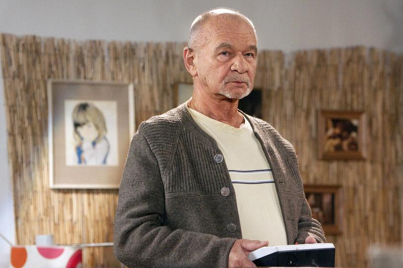 """Nie pali, nie nadużywa alkoholu, nie ma czego rzucać z nowym rokiem. Ryszard Kotys, serialowy Marian Paździoch, sąsiad Kiepskiego, w styczniu zaczyna zdjęcia do kolejnego sezonu """"Kiepskich"""", wchodzi też na plan filmowy."""