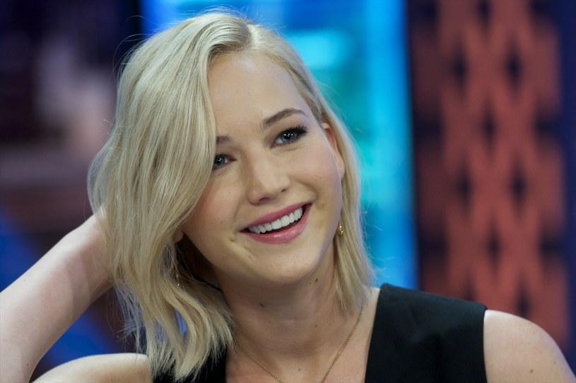 """Jennifer Lawrence jest wielką fanką Billa Murray'a. Od dłuższego czasu wypytywała o niego swego kolegę z planu """"Igrzysk śmierci"""" i przyjaciela aktora, Woody'ego Harrelsona. Jak się okazało, gwiazdor """"Między słowami"""" bardzo chce z nią pracować."""
